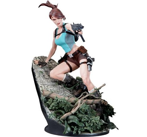 lara croft tomb raider statue