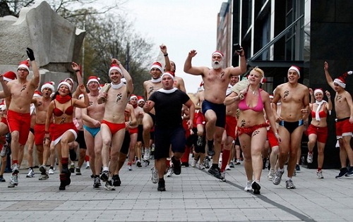 santa claus swim suit race