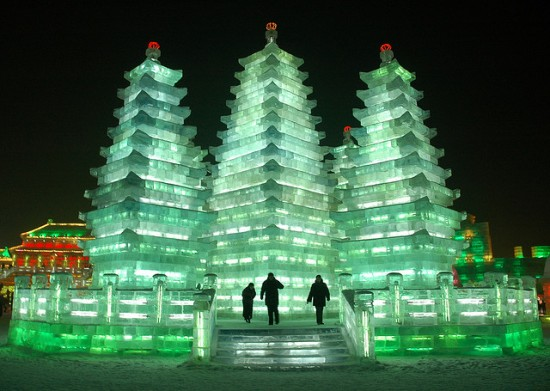 Ice sculpture pagoda