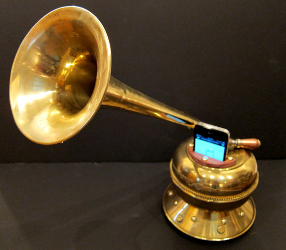 iPhone Victrola
