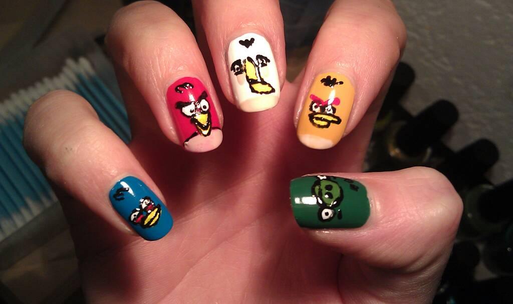 Angry birds nail art | Walyou