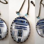 R2D2 Necklace 2