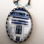 R2D2 Necklace 3