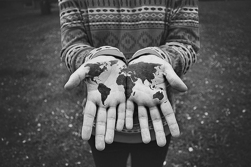 World-in-hands-tatoo