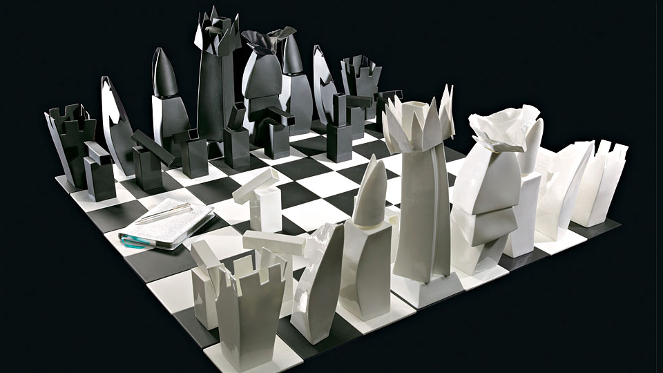 Architect Frank Gehry Designs New Chess Board For Tiffanyu0027s