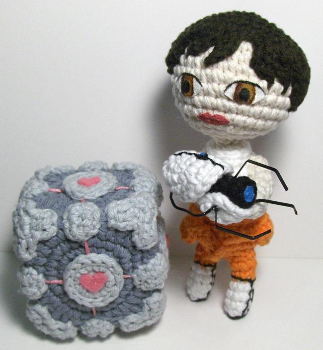 Chell & Companion Cube Amigurumi