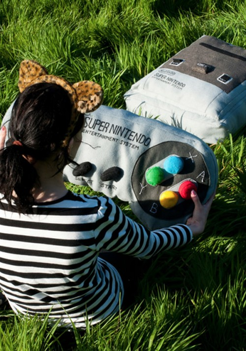 Nintendo SNES Cushion Felt So Good Image 1