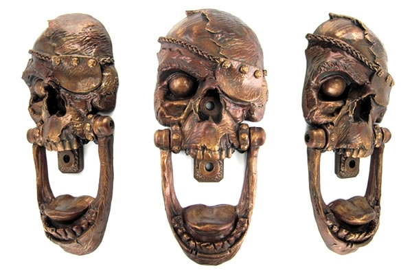Pirate-Skull-Door-Knocker