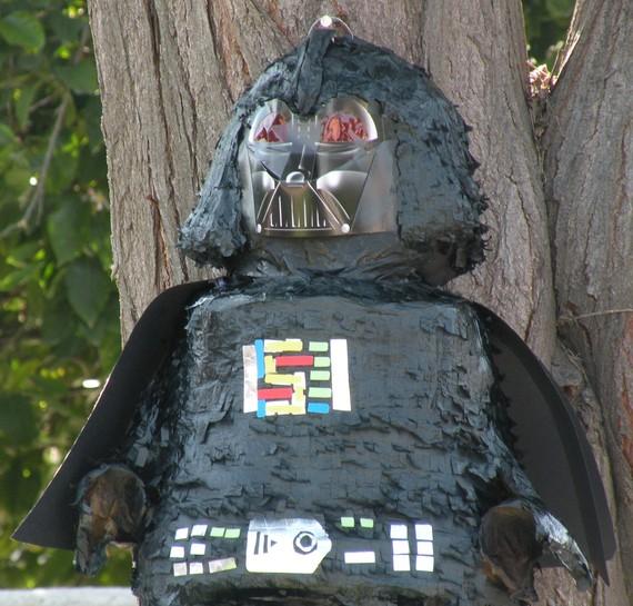 Darth Vader Piñata