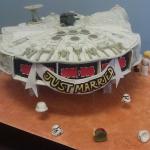 Millennium-Falcon-Wedding-Cake
