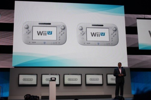 Reggie onstage Wii U E3 2012 Image