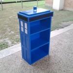 dr who TARDIS Bookcase