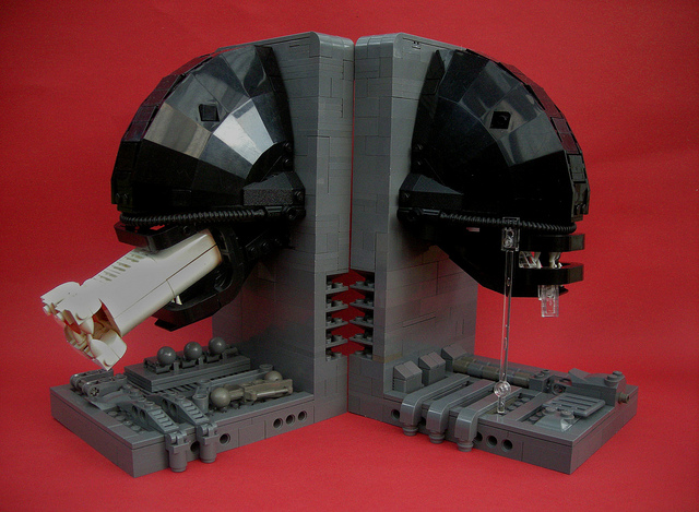 lego aliens bookends