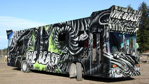 the-beast-aliens-bus-1