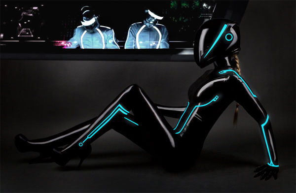 tron-legacy-latex-girl