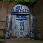 R2-d2 street art 1