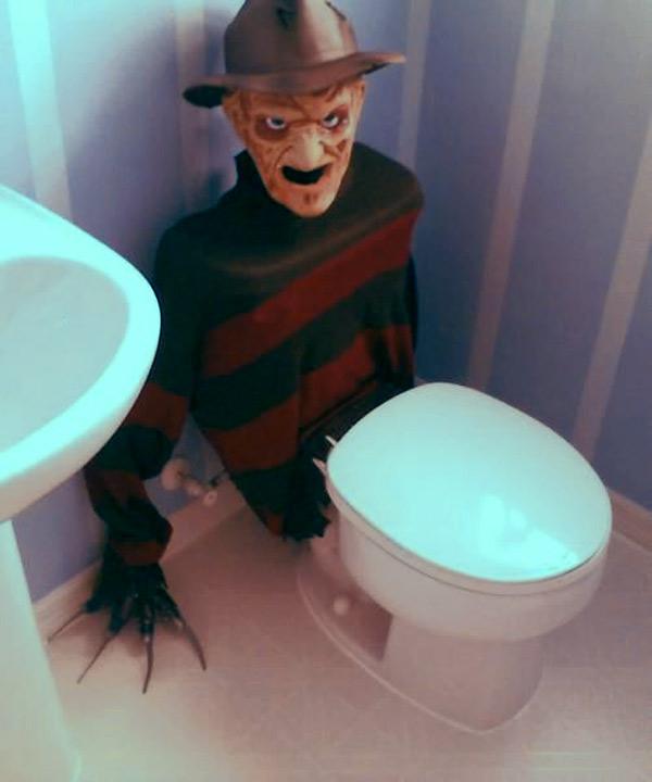 freddy-toilet