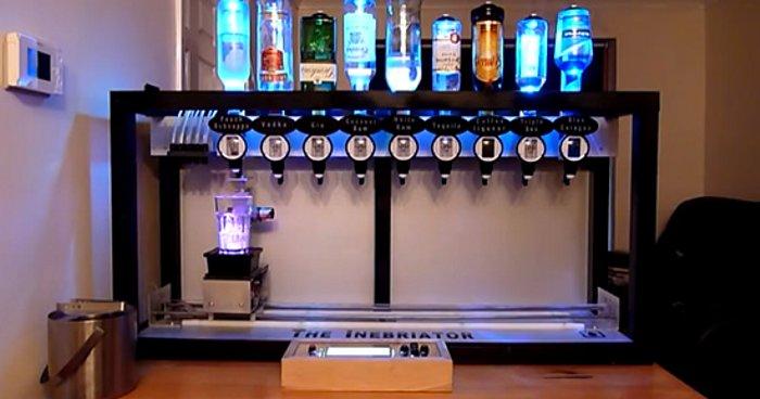 Inebriator-robot-bartender