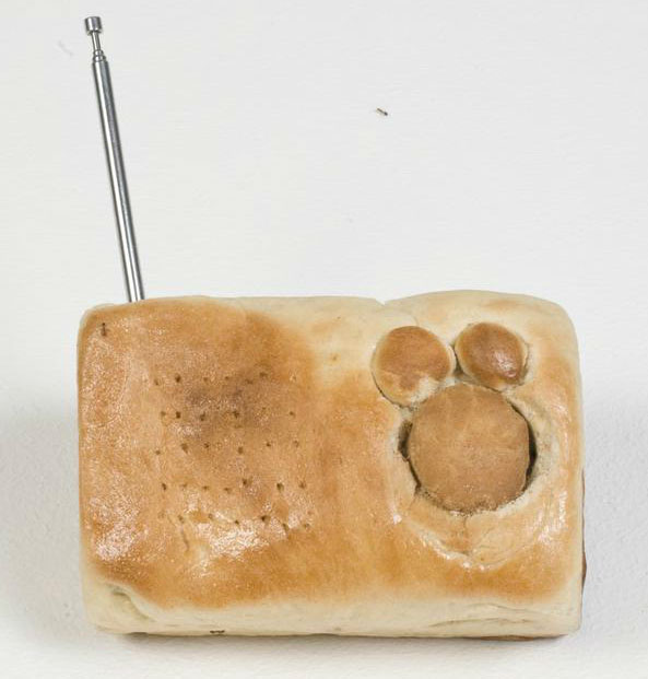bread radio case