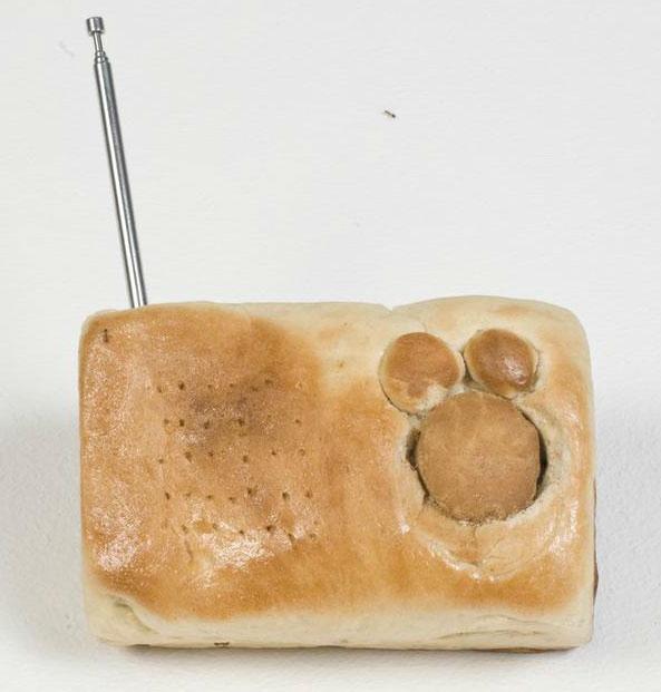 bread radio case