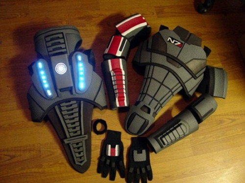 Mass Effect N7 armor Bioweapons image 2