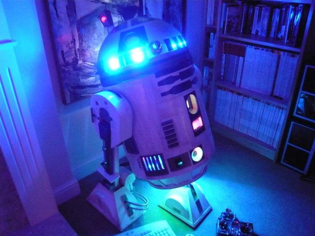 R2-D2 computer