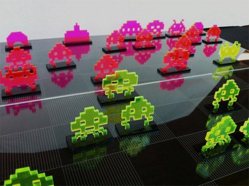 Space Invaders Chess Set by NMI Laser image 1