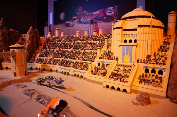 Star Wars Universe Made Of 250000 Lego Bricks Walyou