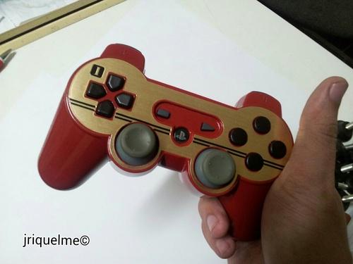 Famicom DualShock 3 mod by Javier Riquelme