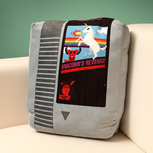 Retro videogame cartridge pillow set from ThinkGeek image 2