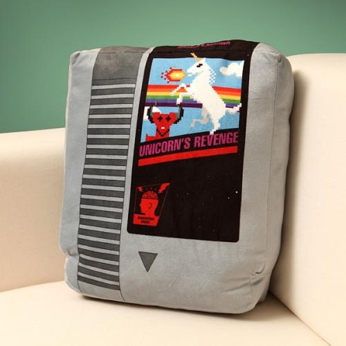 Retro videogame cartridge pillow set from ThinkGeek image 2