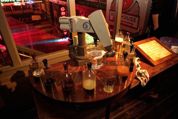 robot-bartender-mixes-mean-drink3