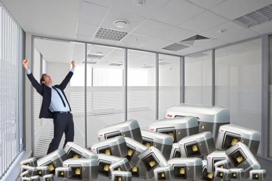 office-room-full-of-3d-printers-537x358 (1)