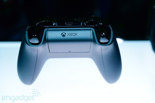 Xbox One controller by Engadget image 2