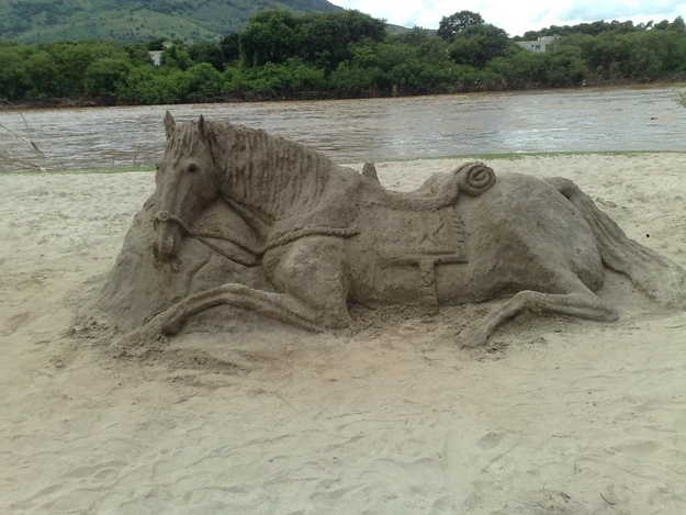 The Impossilbe to Find Sand Horse