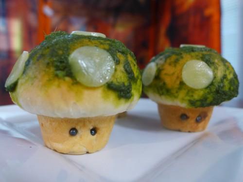 1-up mushroom pizza rolls image 1