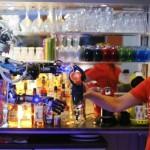 Carl Robot Bartender 4