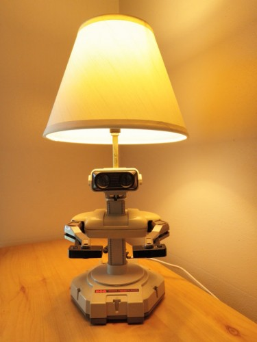 nes rob lamp front image 1