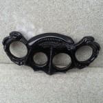 alien-brass-knuckles-1