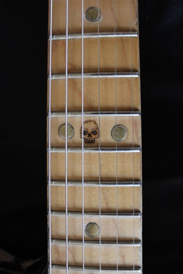 zombie-guitar-6