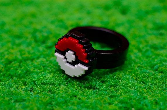 Pokéball 8-bit acrylic ring