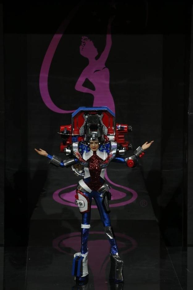 Miss USA Transformers 1