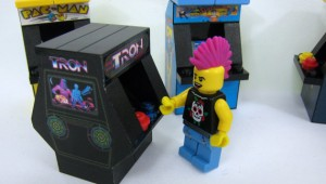 Tiny Bricks Lego 1980s Arcade Machine set image 1