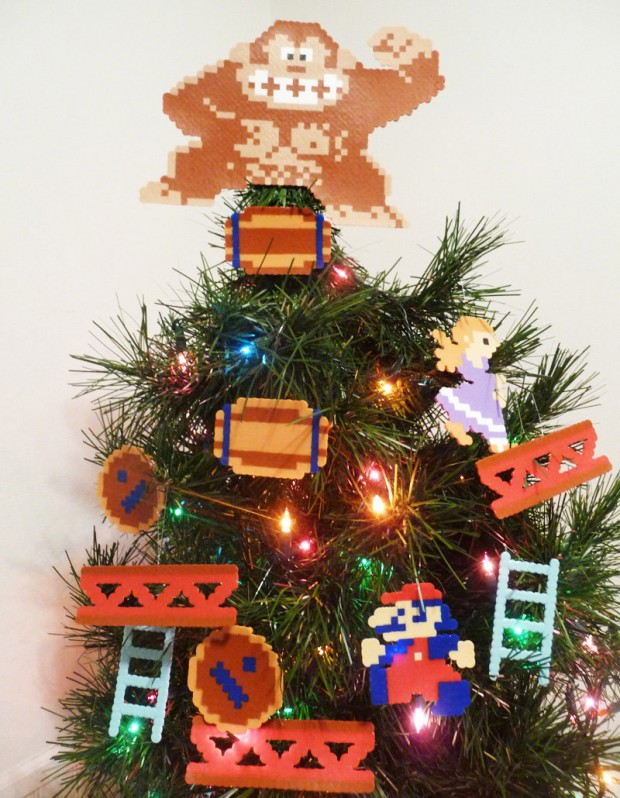 donkey_kong_christmas_ornaments_1