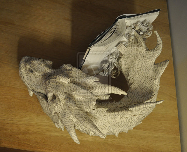 the-hobbit-book-sculpture-2