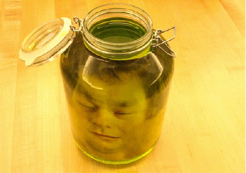 head-in-a-jar-prank-3