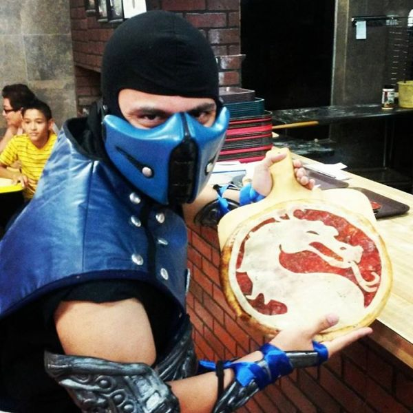 Pizza Mortal Kombat