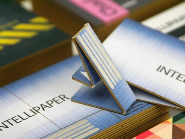 Swivelcard half business card half flash drive all awesome walyou swivelcard 620x465 colourmoves