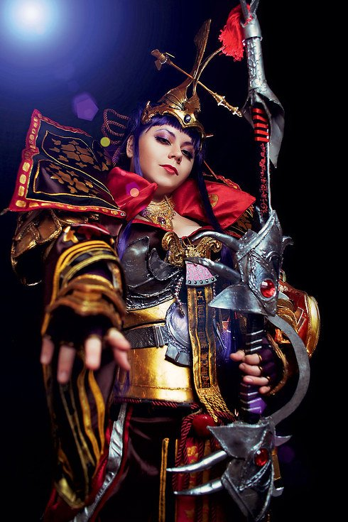 Empress Himiko from the video game Atlantica Online