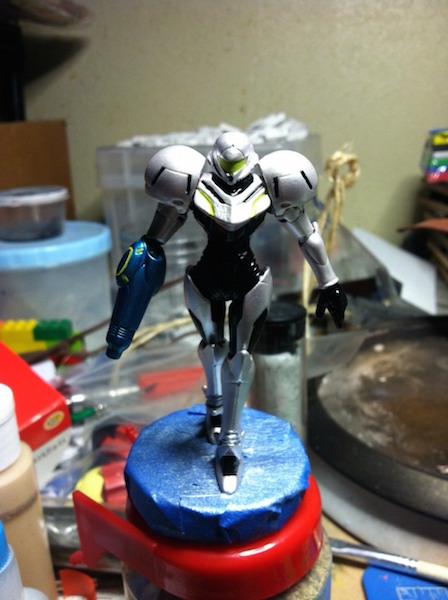 Light Suit Samus Amiibo image